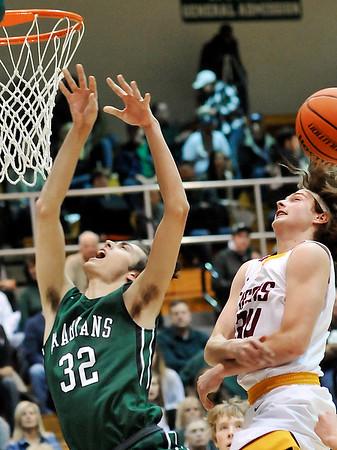 John P. Cleary    The Herald Bulletin<br /> PHHS vs Alexandria in boys basketball.