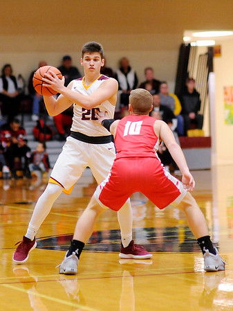 Don Knight   The Herald Bulletin<br /> Alexandria faced Frankton in the Madison County Championship on Saturday.