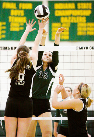 Floyd Central sophomore Gwyn Jones goes up for a shot during their match against Seymour in the Floyd Central Sectional on Thursday. The Highlanders won in five sets, 22-25, 25-20, 25-16, 14-25, 15-11. Staff photo by Christopher Fryer