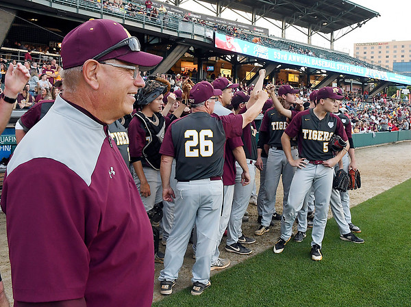 John P. Cleary   The Herald Bulletin<br /> The Alexandria Tigers vs Southridge Raiders in IHSAA 2A Baseball State Championship.