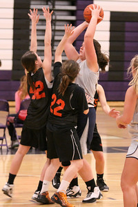 10 03 27 28 7&8 Gr Girls Basketball-040