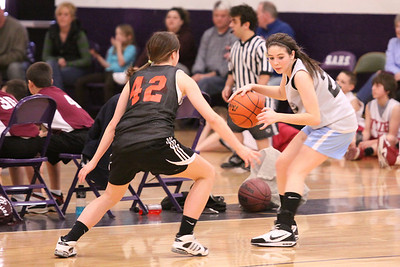 10 03 27 28 7&8 Gr Girls Basketball-047