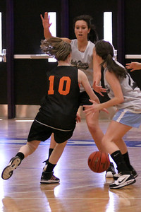 10 03 27 28 7&8 Gr Girls Basketball-080