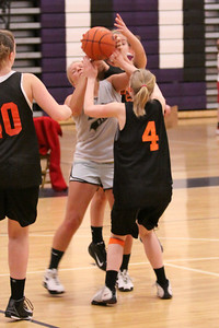 10 03 27 28 7&8 Gr Girls Basketball-079