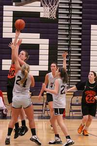 10 03 27 28 7&8 Gr Girls Basketball-018