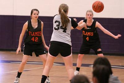 10 03 27 28 7&8 Gr Girls Basketball-005