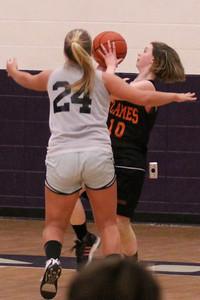 10 03 27 28 7&8 Gr Girls Basketball-092