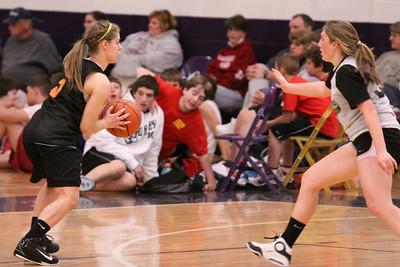 10 03 27 28 7&8 Gr Girls Basketball-054