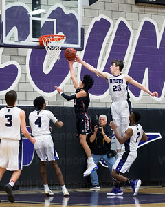Will Bounds #23 alters the shot of Aaron Darab #3