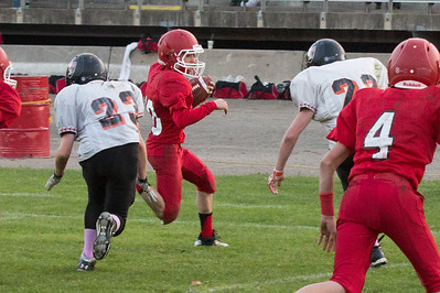 13 10 30 Tow v Troy 7-8 th Grade FB-014