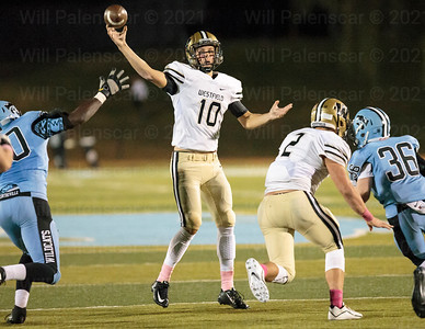 Tyler Scanlon threw for over 200 yards and two TDS against Centreville