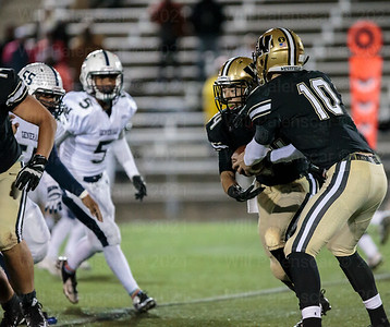 Tim Beard ran for two touchdowns and 140 yards in 1st round playoff action