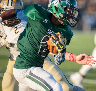 South County Xavier Jones #2 runs the ball during the 6A North final with Westfield