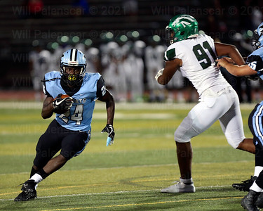 Bassie Kanu #24 carries the ball for Centreville. Kanu carried the ball 25 for 150 yards and 3 TDs in his teams 31-27 win over South County