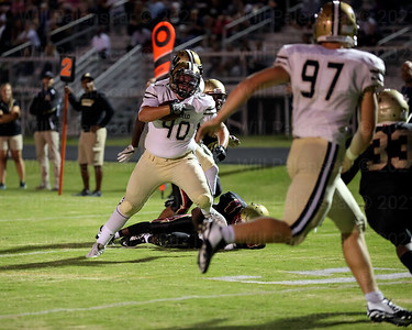 Matt Cirillo #40 opened up scoring for Westfield with a 17 yard TD reception in the 2nd quarter.