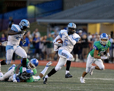 Centreville's  Jordan Wright #5 opened scoring for Centreville with this 44 yard touchdown run in the 1st quarter.