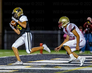 Alex Richards #15 pulls in a 15 yard TD reception from Noah Kim , Westfield's first of 4, 1st quarter scores