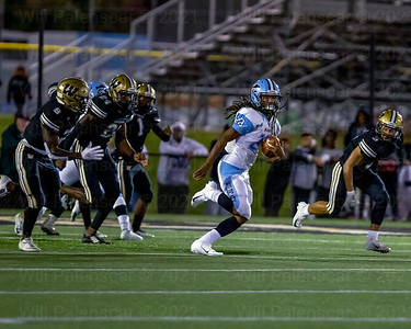 Anthony Ramos #28 carried the ball 8 times for 32 yards for centreville.