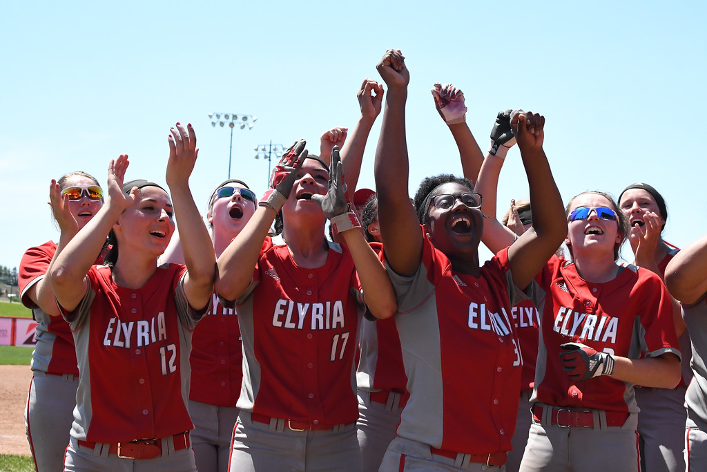 . Eric Bonzar�The Morning Journal The Elyria Pioneers celebrate their team\'s D-I state championship win over the Lebanon Warriors, June 3, 2017.