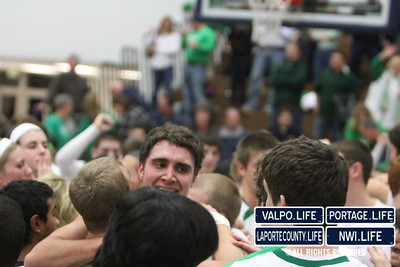 vhs-bball-2011-sectional-champ-celebrate (3)