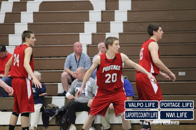 PHS-boys-basketball-sectional-vs-hobart 010
