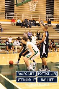 MCHS_JV_Boys_Basketball_vs_VHS_1-4-2013 (23)