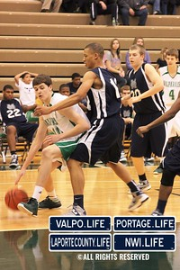 MCHS_JV_Boys_Basketball_vs_VHS_1-4-2013 (24)
