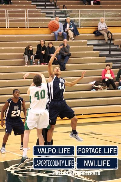 MCHS_JV_Boys_Basketball_vs_VHS_1-4-2013 (3)