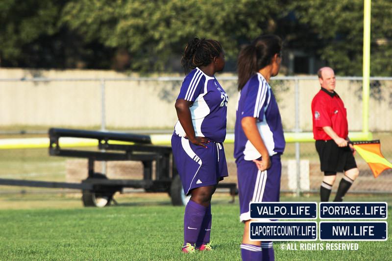 MHS-vs-VHS-Girls-Soccer-2013 (9)