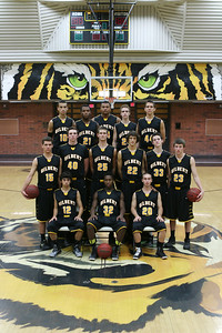 Gilbert Tigers Varsity Basketball 2013-2014 IMG_9557