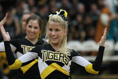 Gilbert High School Cheerleaders