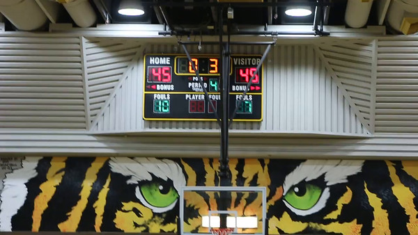.3 Seconds Gilbert Tigers Last Second Shot Goes but too Late
