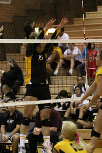 Gilbert High School Varsity Girls Volleyball vs Mountain Point.