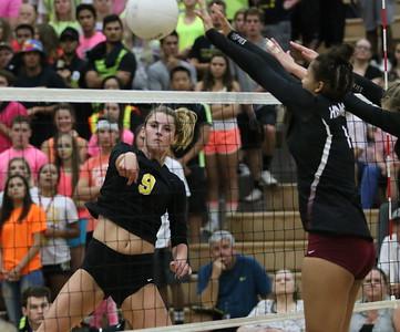 2016 Gilbert vs Hamilton Girls Volleyball 8-30-16