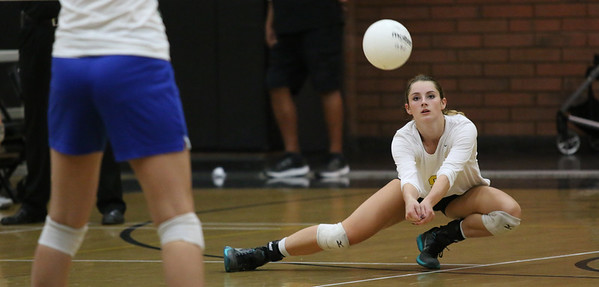 2016 Gilbert Girls Volleyball vs Xavier 9-6-16