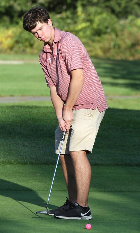 . Lowell vs Tyngsboro golf. Tyngsboro\'s Kevin Carpenter putts at 6th hole. (SUN/Julia Malakie)