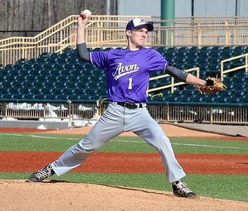 Avon's Alex Tomko pitches. STEVE MANHEIM/CHRONICLE