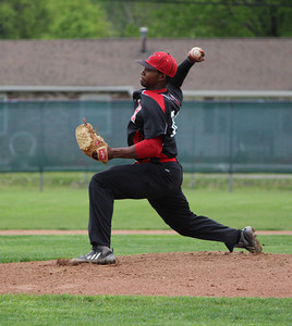 Elyria's Marques Inman delivers Friday during his one-hit masterpiece against Lakewood in a 3-0 victory. CHRISTY LEGEZA/CHRONICLE