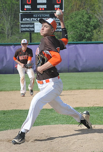 Josh Meyer pitches for Buckeye on May 9. STEVE MANHEIM / CHRONICLE