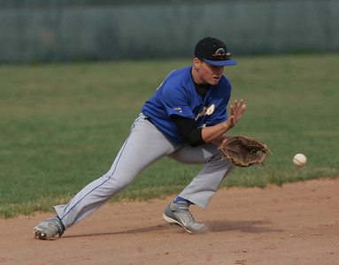Clearview's #20 Rodger Engle fields a grounder.  photo by Chuck Humel