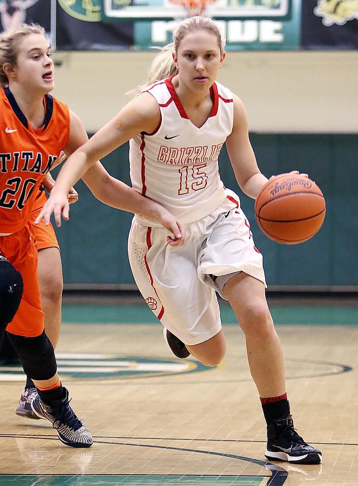 Wadsworth's Jodi Johnson leads her team to Regionals. (RON SCHWANE / GAZETTE)