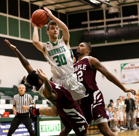 HS Basketball: Maple Heights @ Highland 12232016