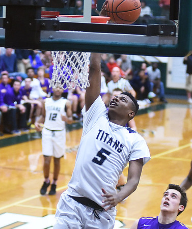 Titans beat Eagles to advance to district final