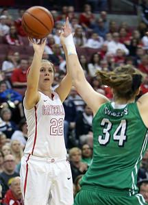 Wadsworth's Laurel Palitto hits a three point shot over Mason's Lauren Van Kleunen during the second quarter. (RON SCHWANE / GAZETTE)