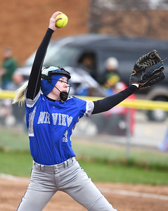 KRISTIN BAUER | CHRONICLE Midview High School's Lauren Landers (3) pitches against Amherst Steele High School on Tuesday evening, April 4.