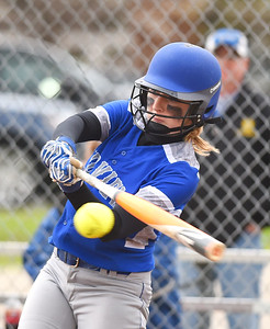 KRISTIN BAUER | CHRONICLE Midview High School's Sara Liszeski (33) bats against Amherst Steele High School on Tuesday evening, April 4.