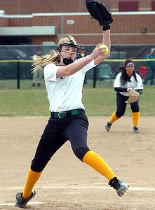 Amherst pitcher #9 Zoe Beetler.