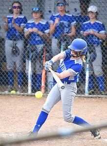 KRISTIN BAUER | CHRONICLE Midview High School's Sara Liszeski (33) bats against Berea Midpark High School on Wednesday afternoon, May 10.