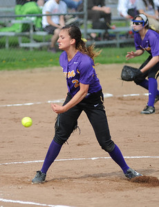 Avon's Anna Edwards pitches against Midview. KRISTIN BAUER | CHRONICLE