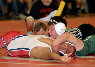 SPO, Feb 24 2007, Carl Sullenberger --- Westlake's Nick Lawrence won this match over southview's Martin Cruz on Saturday in Mentor in the 103 class.
